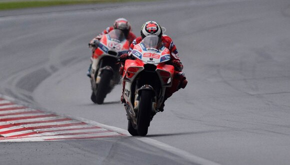 Dovizioso playing catch-up in title decider