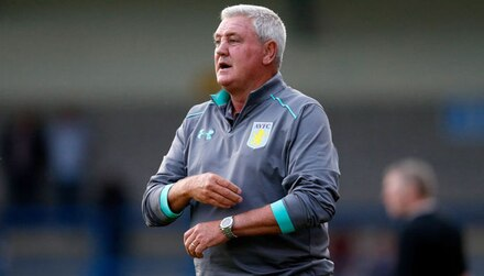 Aston Villa vs Fulham: Bruce to play cards right in Championship final