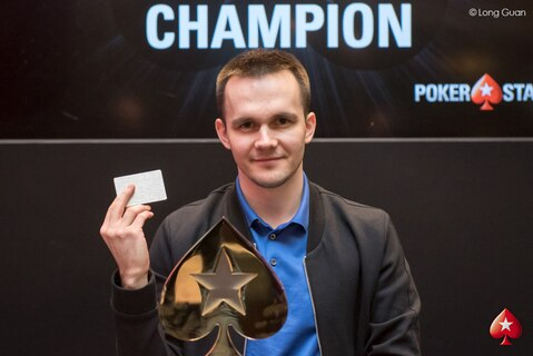 Mikita Badziakouski high rolls his way to the PSPC after winning Platinum Pass